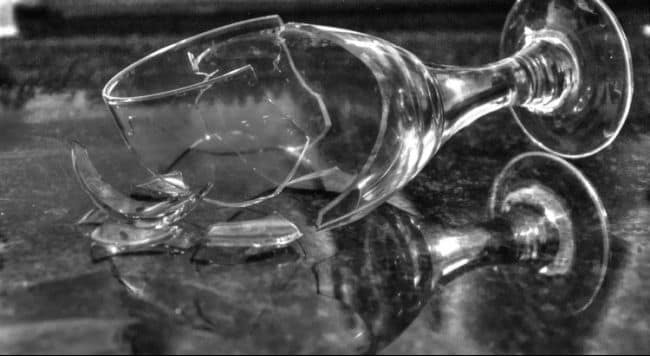 broken-glass-1794449_960_720-750x410.jpg